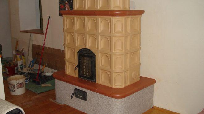 Így készült egy családi ház cserépkályhája