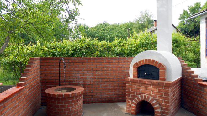 Donga kemence és bográcsozó építése Dunaegyházán lévő hétvégi családi ház udvarán