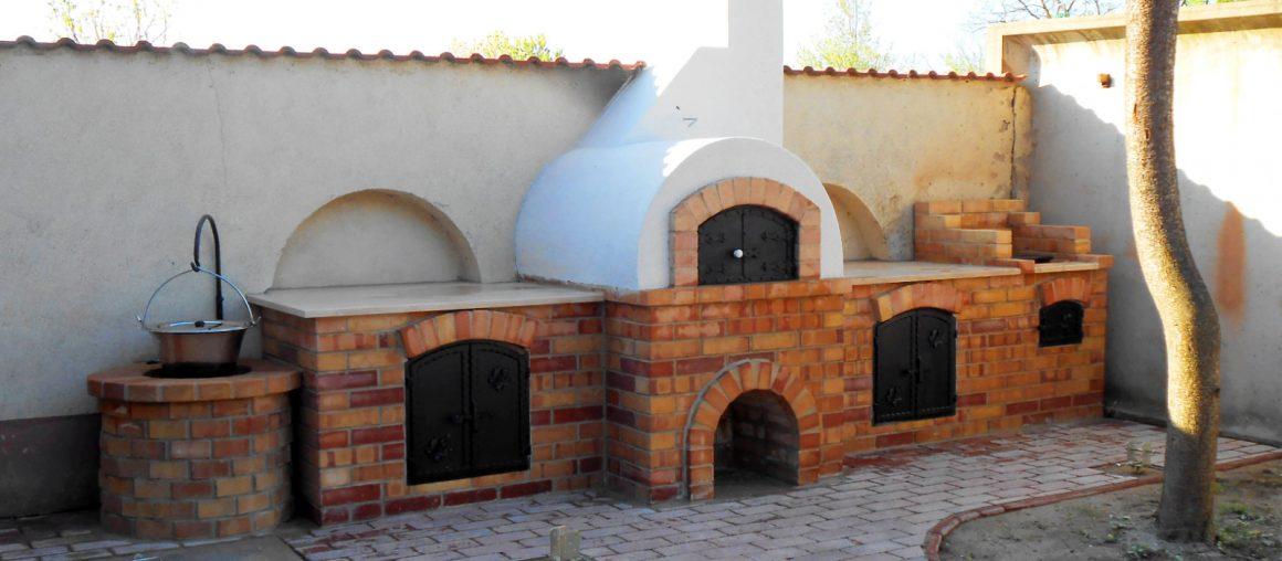 Donga kemence építése öntvényplatnis grillezővel és bográcsozóval Előszálláson